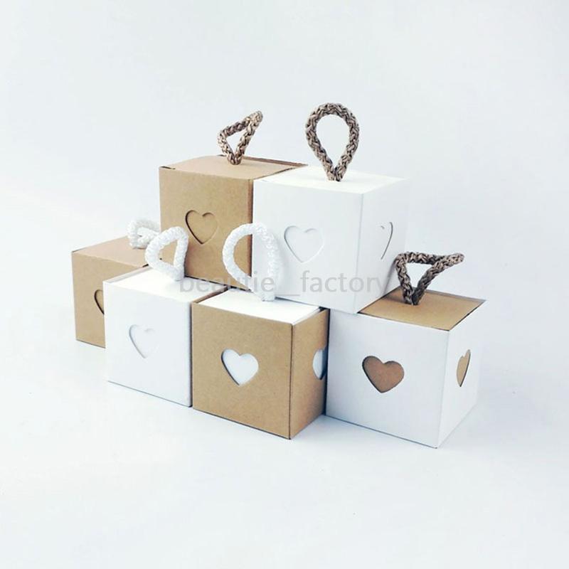 50pcs Kraft Hollow Paper Candy Box Birthday Shower Wedding Party Chocolate Heart Box 4 Style New