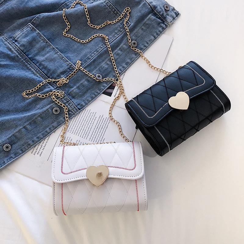 cadena Lingge pequeña bolso femenino 2020 nueva versión coreana del corazón del melocotón bolsa de moda Mensajero bordado pequeño cuadrado