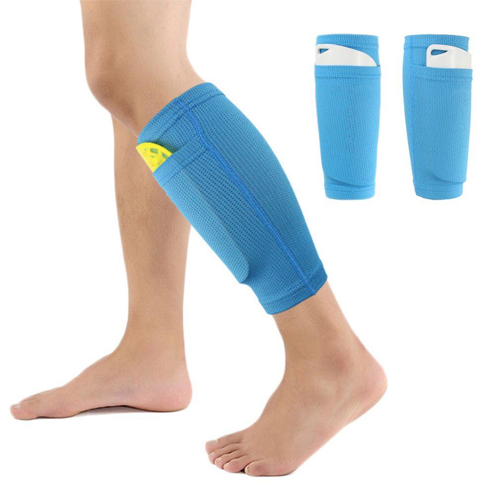 فريق كرة القدم الرياضي المحترف يحرس منصات ساق كرة القدم حارس المرمى