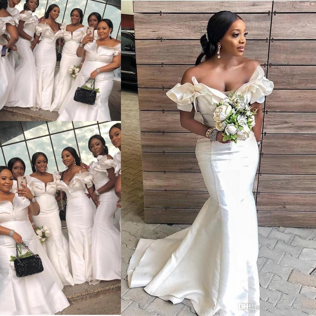 2019 Alças Branco Mermaid Vestidos dama de honra do Sul Africano Ruffles empregada doméstica de honra vestidos de cetim Plus Size do convidado do casamento menina Black Dress