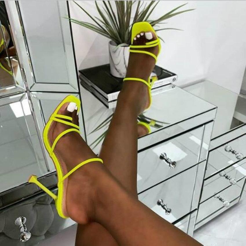 2020 Été Femmes bout carré dames talon Mules sexy mince Escarpin Sandales Femme Chaussons Mode femme Chaussures 10.5cm Y200620
