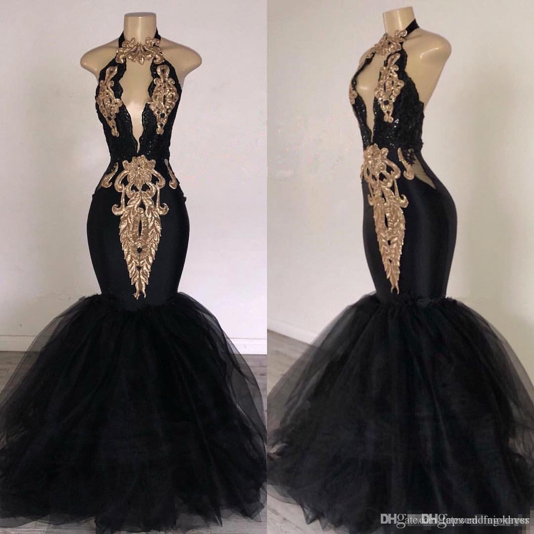 2019 Abiti da ballo neri con sirena applicata in oro Abito da sera formale Sud Africa Scollo all'americana Abiti da cerimonia occasione treno