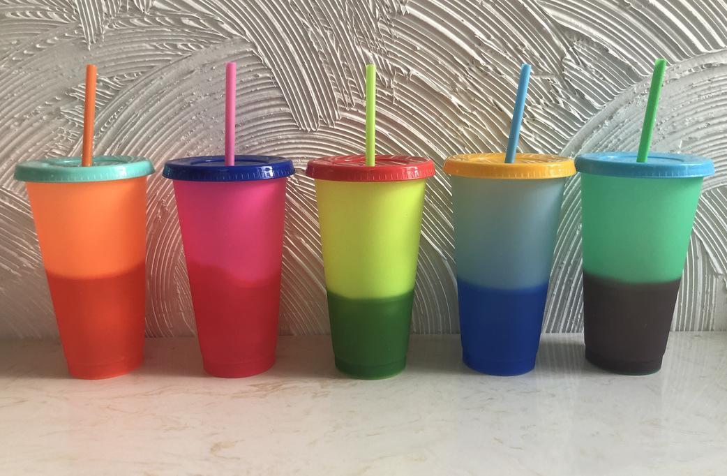 24 oz Température de couleur Magic Cup réutilisable magique tasse à café en plastique avec couvercle Gobelets potable et de paille