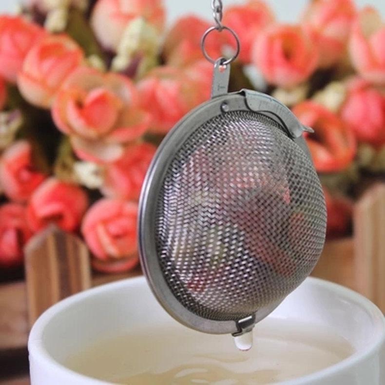 1 Pcs En Acier inoxydable boules de thé sphère de verrouillage D'épices Passoire À thé maille boule à thé Filtre à base de plantes balle Thé-Ensemble préféré