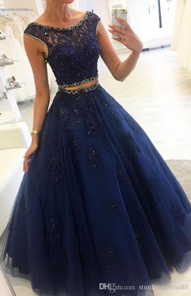 Ball Gown Navy Lace Cheap Prom Dresses Long Scoop Neck Crystal Beaded Cap Short Sleeves Tulle Applique Evening Formal Gowns