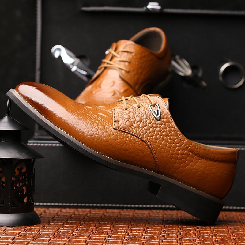 Robe Chaussures Hommes Véritable chaussures de mariage en cuir de crocodile Hommes Chaussures formelles Hommes Coiffeur Sapato Masculino sociale Sepatu Pria