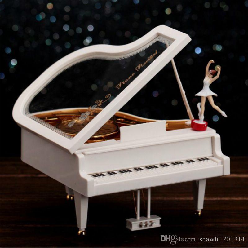 Criativa Mecanismo de Piano Music Box Movimento Menina da bailarina Music Box Classical Vintage carrossel Piano Modelo Ração menina Caixas de Música