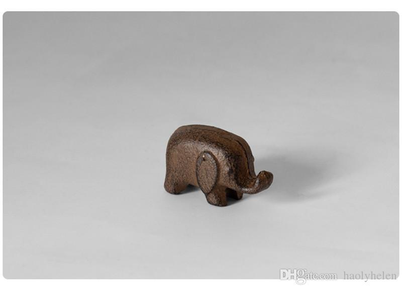 5 Piccolo ghisa Elefante in metallo Statuetta animale in metallo Statua Peso della carta Giardino domestico Decorazioni da giardino Ornamenti Artigianato Regalo Marrone Retro