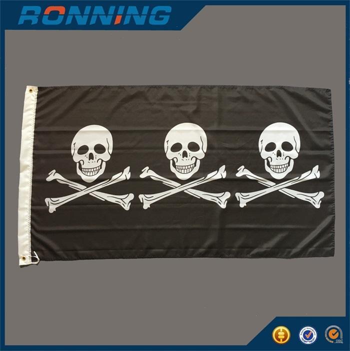 Черный Пиратский флаг Баннер 90x150 см Три человеческого черепа с скрещенные кости для дома Хэллоуин украшения морской
