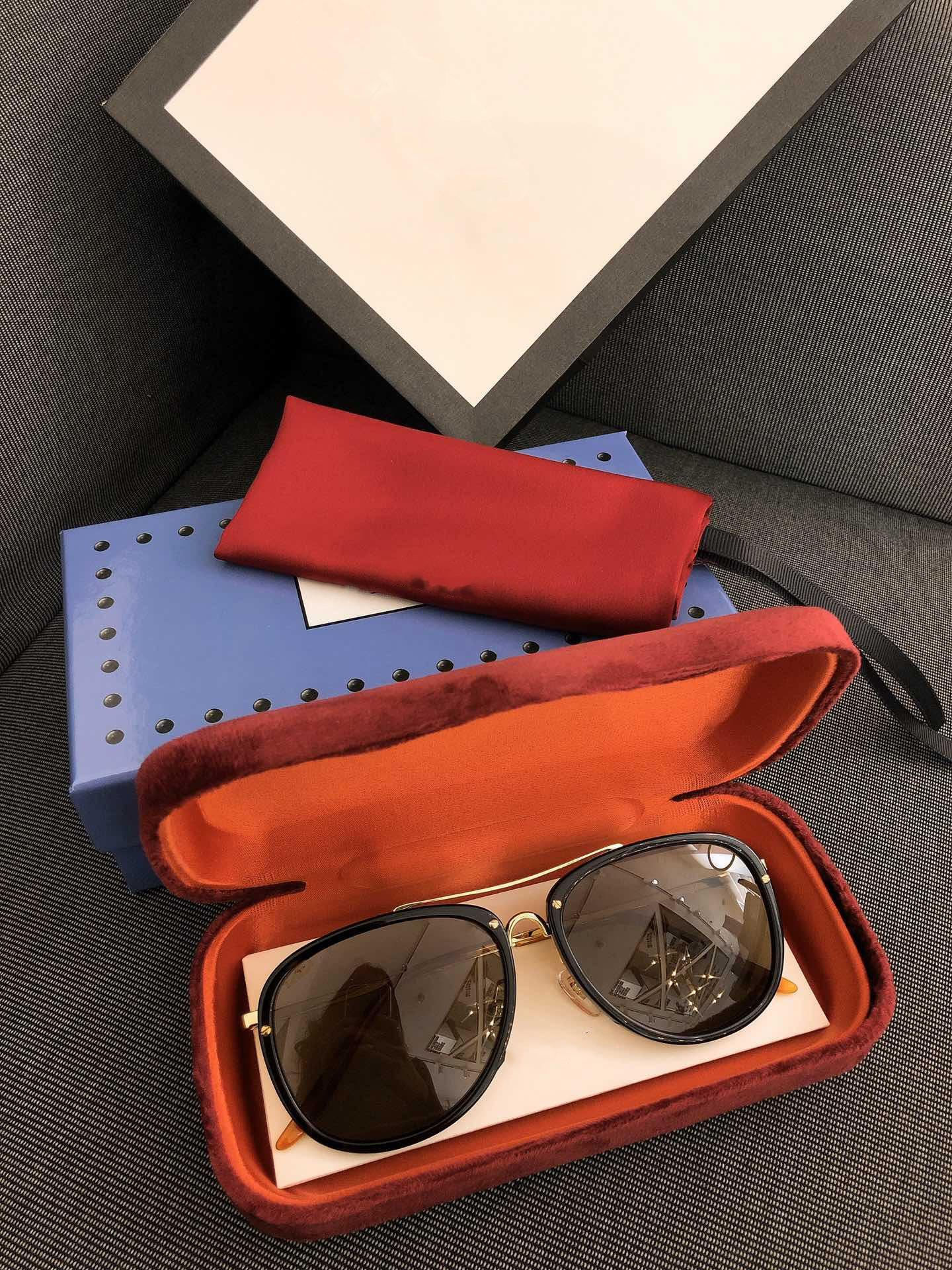 Luxus-Designer-Sonnenbrillen für Frauen 0062 klassische Sommer-Fashion Style Metall Rahmenaugengläser Top-Qualität eyewear UV-Schutz-Objektivs