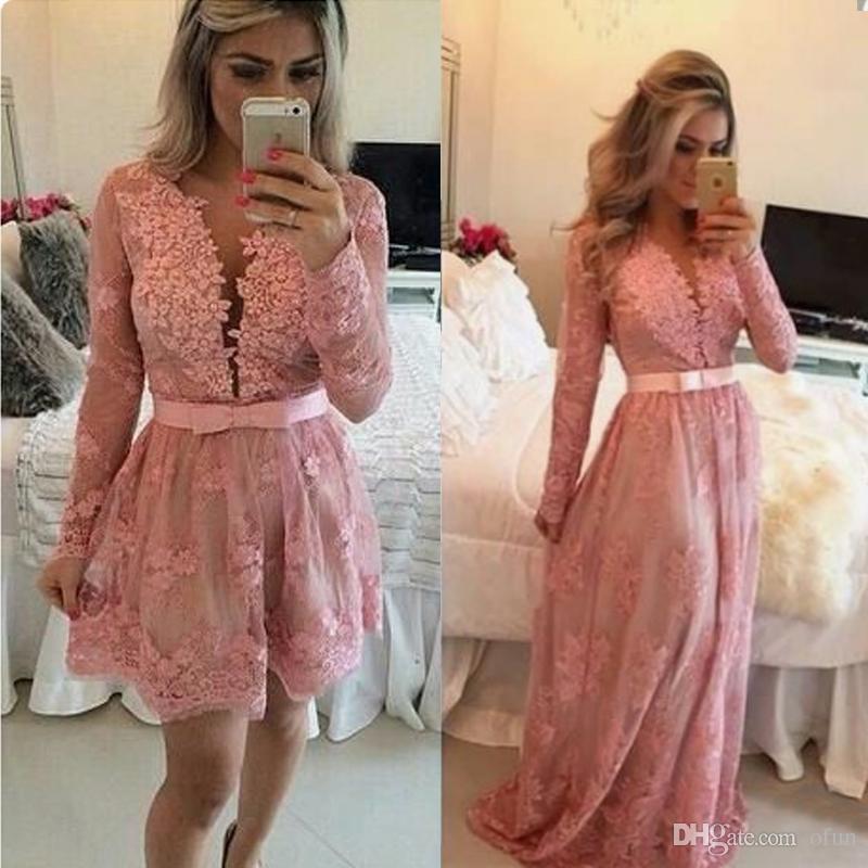 Elegante, rosa, corto, mini vestido de fiesta con encaje, falda desmontable, cuello en V, manga larga, botón cubierto, vestido de regreso a casa con perlas