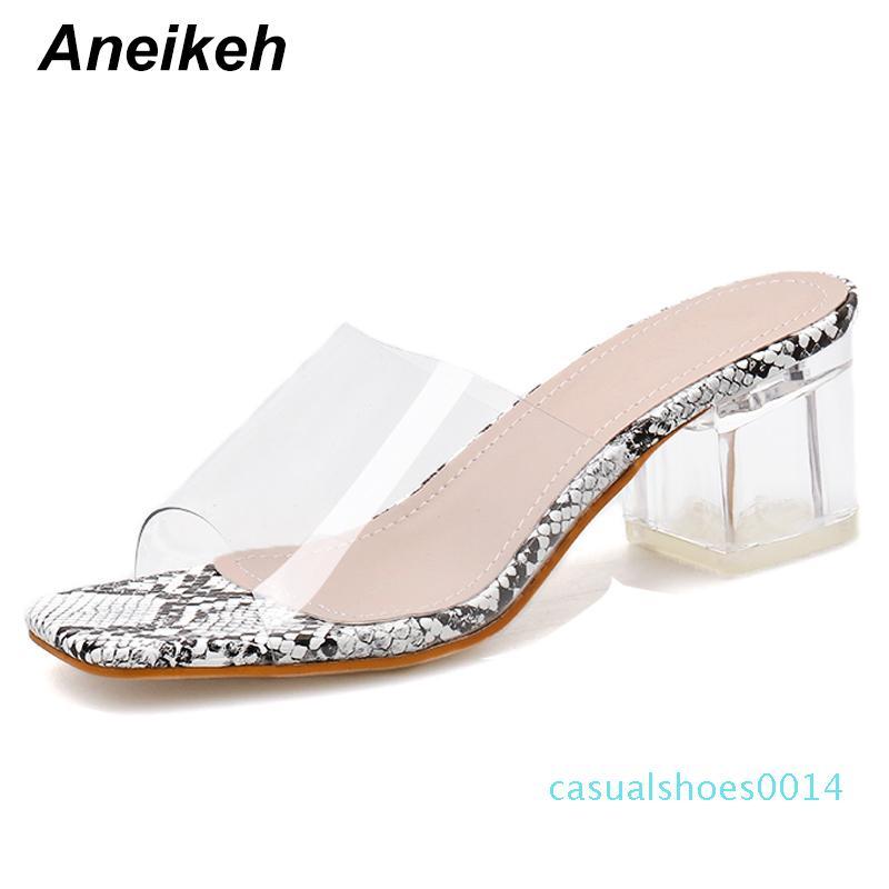 Aneikeh Moda Serpentine diapositive chiaro trasparente in PVC Pantofole Donne Scarpe peep toe Piazza 5CM Tacchi alti Muli Abito Pompe C14