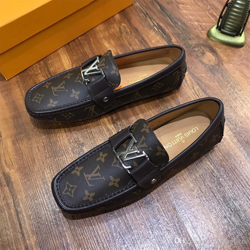 Inicio de lujo 2020 nuevos hombres se visten los zapatos de cuero genuino metal guisantes de ajuste de zapatos de boda zapatos de moda clásica de conducción de los hombres de gran tamaño holgazán perezoso