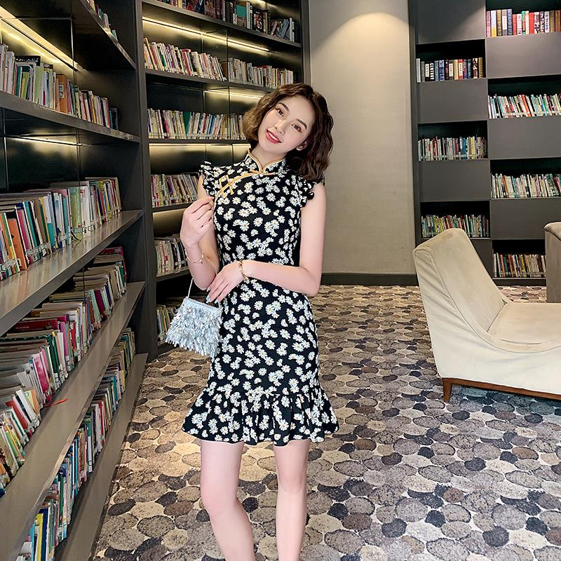 Popular black daisy in spring and summer, slim and sexy, daily shopping, lovely girl cheongsam