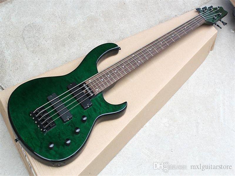 Yeşil sol el elektrik bas gitar alder gövdeli, gülağacı klavye, 5 dizge, siyah donanımlar, özelleştirilebilir