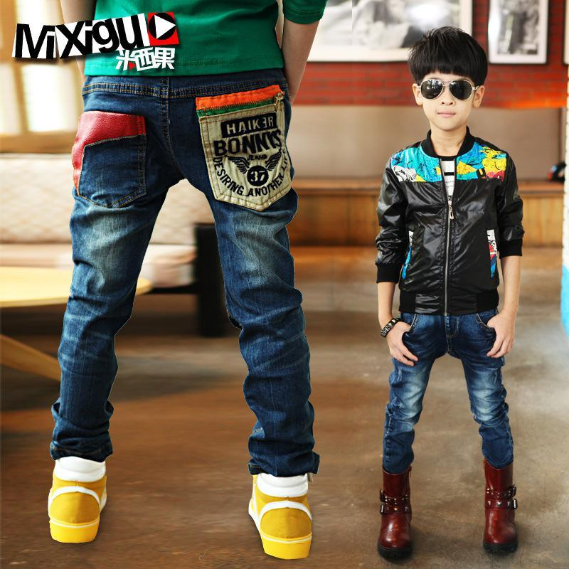 Оптово Pantalones 2019 новая корейская Детская одежда и спорт Мальчики Дети рваной черная эластичные талии джинсы Большой Одежда