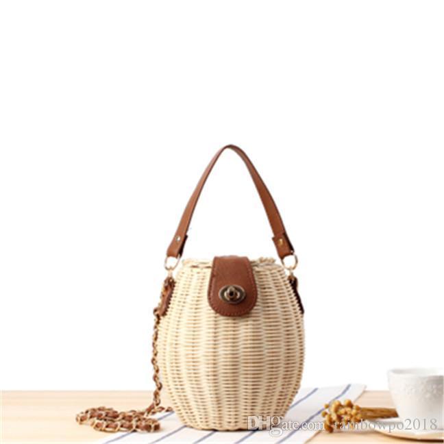 Fabrik Großhandel Frauen Handtasche Mode gewebt Eimer Tasche neue japanische kleine Fischkorb Sperre Handtasche kleine frische Rattan gewebt Kette Tasche