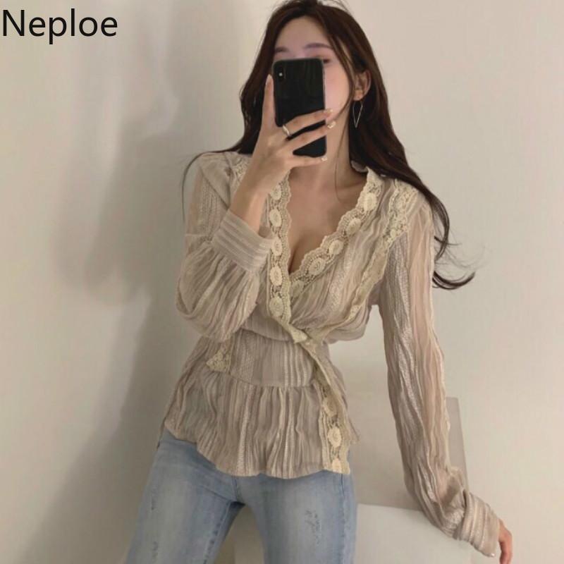 Neploe Spitzenbluse Frauen Frühling 2020 Korean Chic mit V-Ausschnitt in voller Hülsen-Damen-T-Shirts Süße schnüren sich oben dünne Taillen-Frauenoberteile 1A594