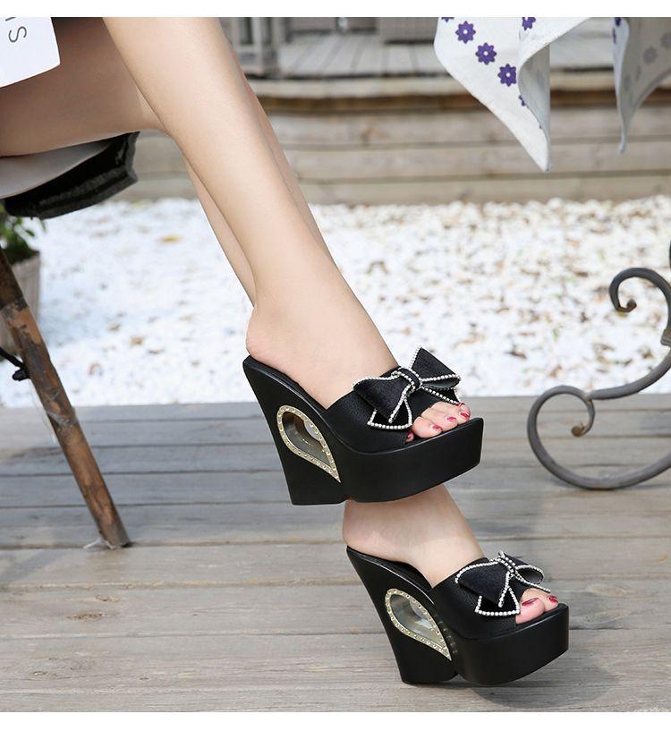 Meilleures ventes d'été Pantoufles femmes papillon noeud plate-forme Wedge semelle épaisse Escarpins 13CM extérieure Mulets Diapositives douce plage Chaussures