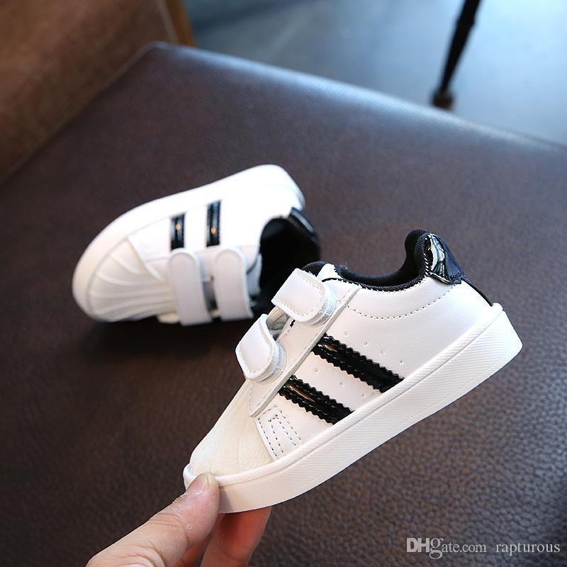 Zapatos del niño Moda Niño Niña Shell Pequeños zapatos de los niños zapatillas de deporte Deportes inferior suave para el tamaño del bebé 21-30 Eur
