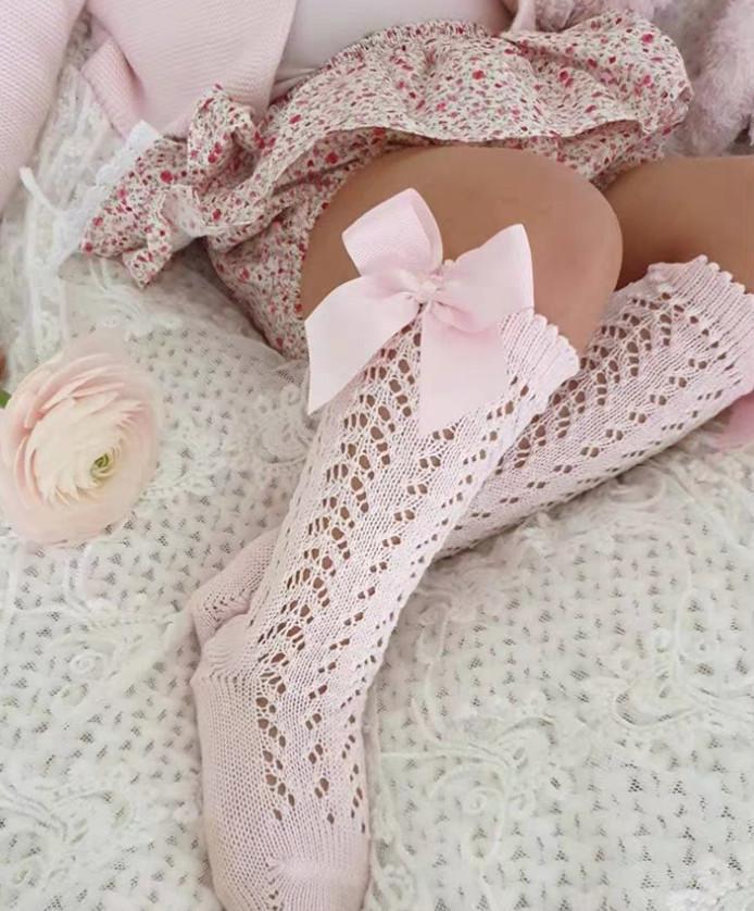INS 2020 Yaz Çocuk delik çorap kızlar içi boş tığ diz yüksekliği çorap çocuk Fiyonk prenses çorap çocuklar pamuk nefes bacaklar A3045 dantel