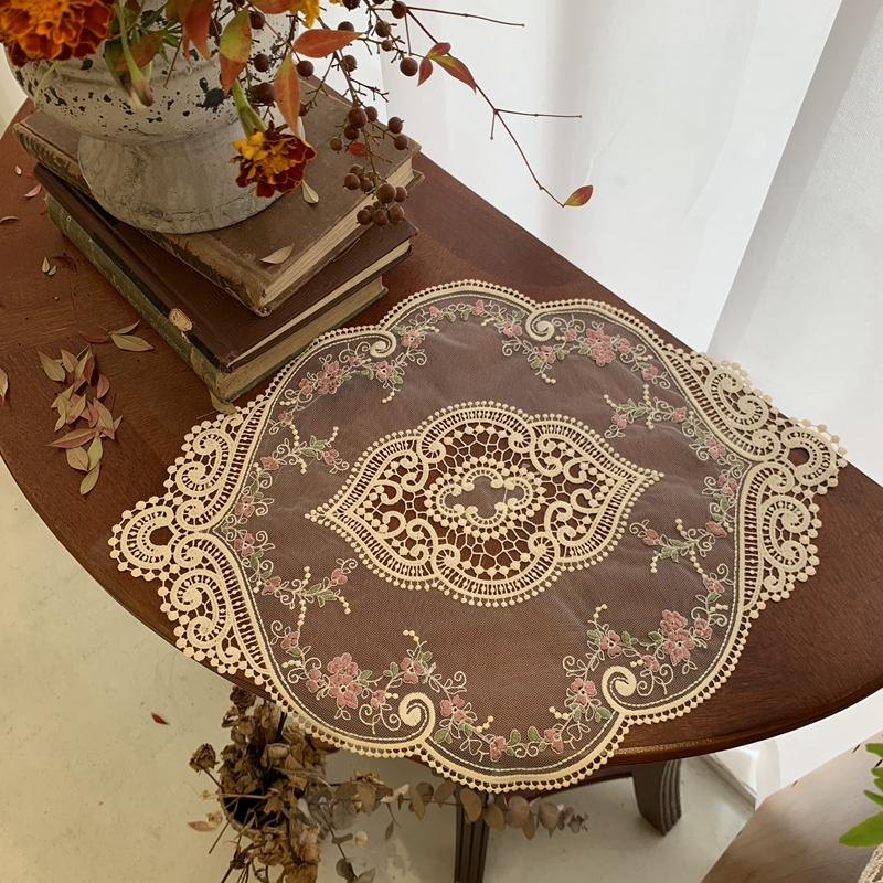 Embroidered tablecloth wind ins placemat lace romantic cloth dining table French decoration idyllic retro coaster