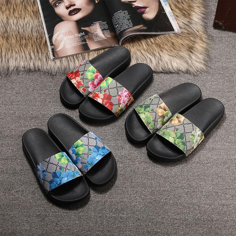 Hot Sale-2019 Designer Chaussures Hommes Femmes Sandales De Luxe Slide D'été Mode Sandales Glissantes Slipper Flip Flop taille 35-45 Avec Livraison Rapide