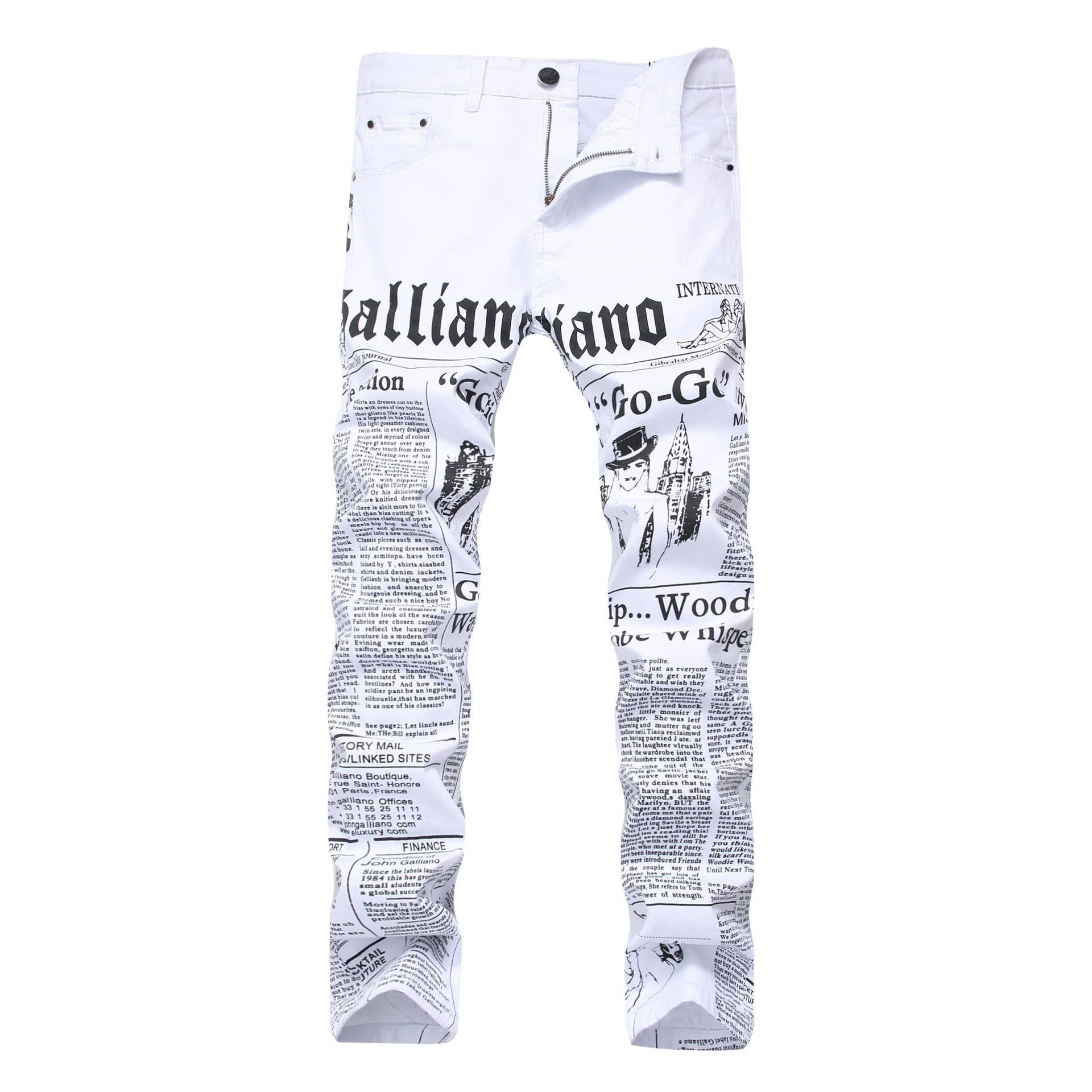 Neue ursprünglicher Entwurf hochwertiger Mannes Galliano dünner Jeans Punk Rock Nachtclub DS DJ Zeitung gedruckte Muster Jeans Stylist Bettlerhosen