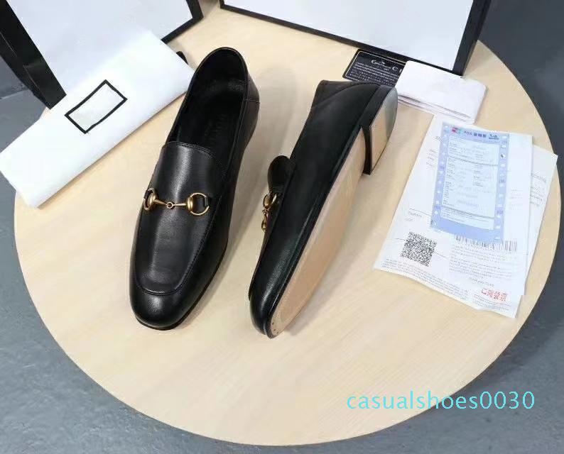chaussures de marque de luxe pour hommes en cuir clair Mors talon mocassin rabattus ou vers le haut symbolique tons d'or mens semelle en cuir c30