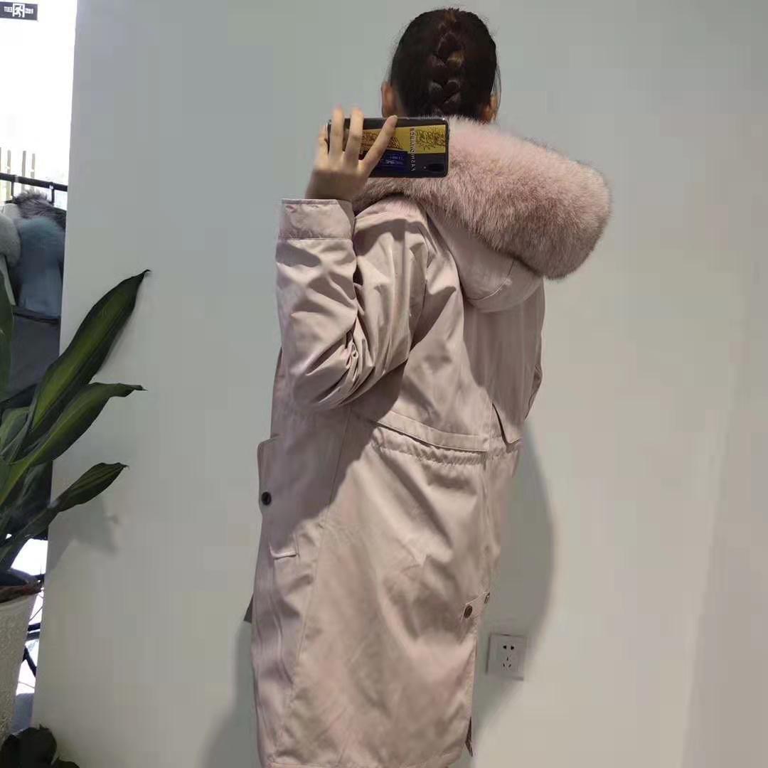 Resistência ao frio Mukla peles da marca Couro Rosa pele de coelho forrada Couro Rosa casacos longos com zíper ykk zíper rosa pele de raposa guarnição longa parka de inverno