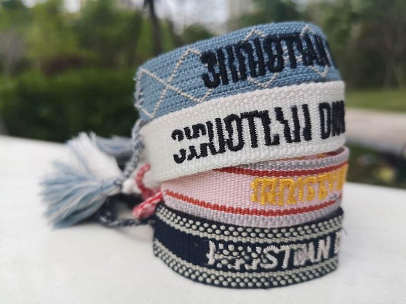 moda dom Knotting Tassel e algodão Pulseiras A Melhor para o dia Amizade também para o aniversário eo Natal com saco do presente