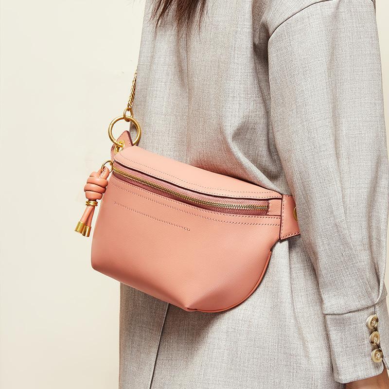 2019 nouveau pack poitrine marée femme sac Messenger sac à main un petit sac ins marée de bourse en cuir femme sauvage marée sac à main