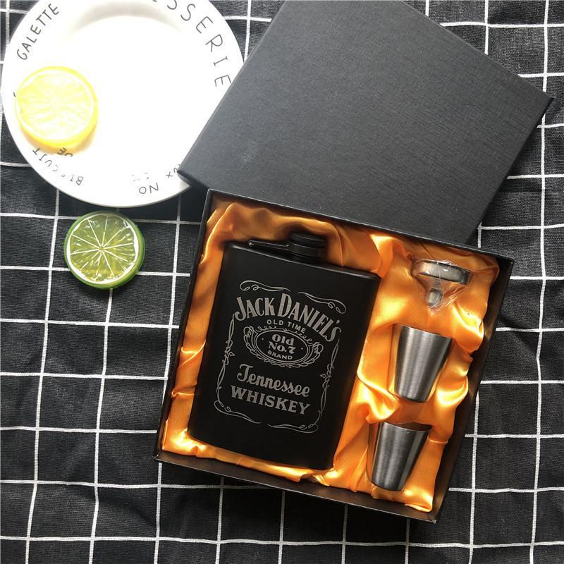 Nouveau Mini 8 oz Toutes peinture noire Whisky Flagon Laser 304 alcool en acier inoxydable Entonnoir Jack Flasque Noir Coffret cadeau LPPUNK T200216