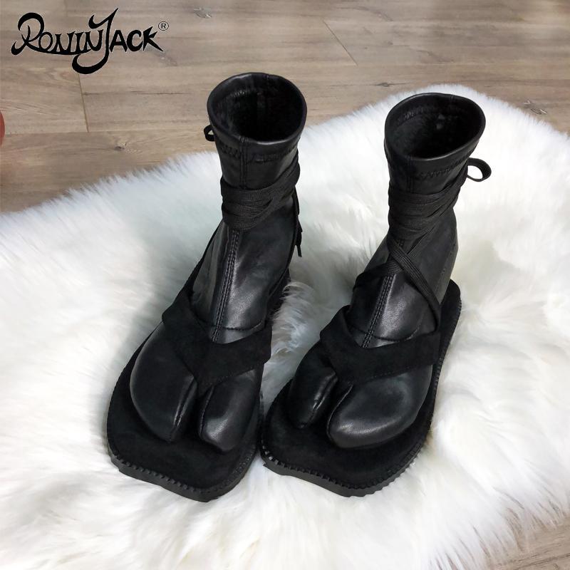 Designer Split Toe Women Boots Tabi Personality Flat Strap Ankle Boots Toe Japanese Ninja Shoes Warm Socks Boots Super Star Y200723