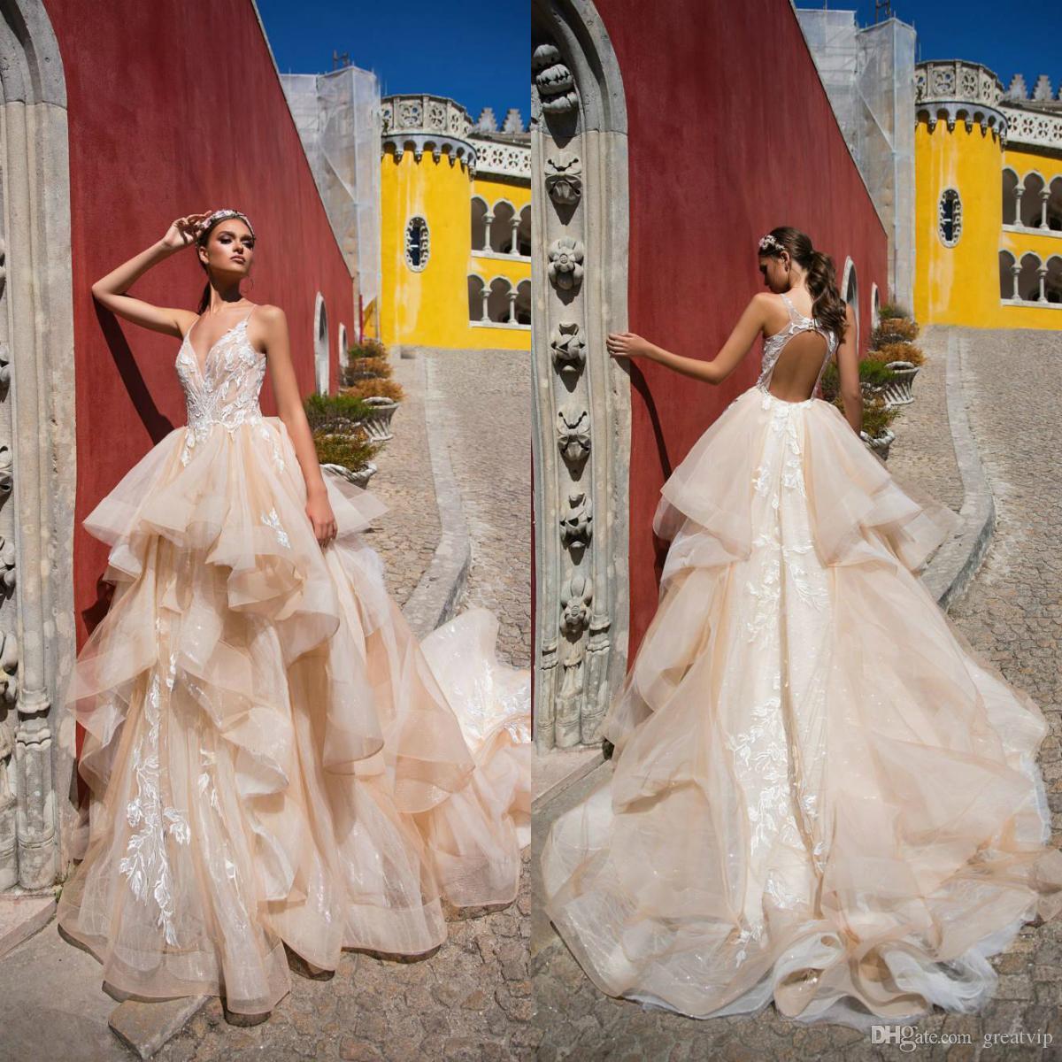 2019 Milla Nova Beach Robes de mariée spaghetti volants en dentelle Backless Tieres Plus Size Robes de mariée Boho Chic robe de mariée