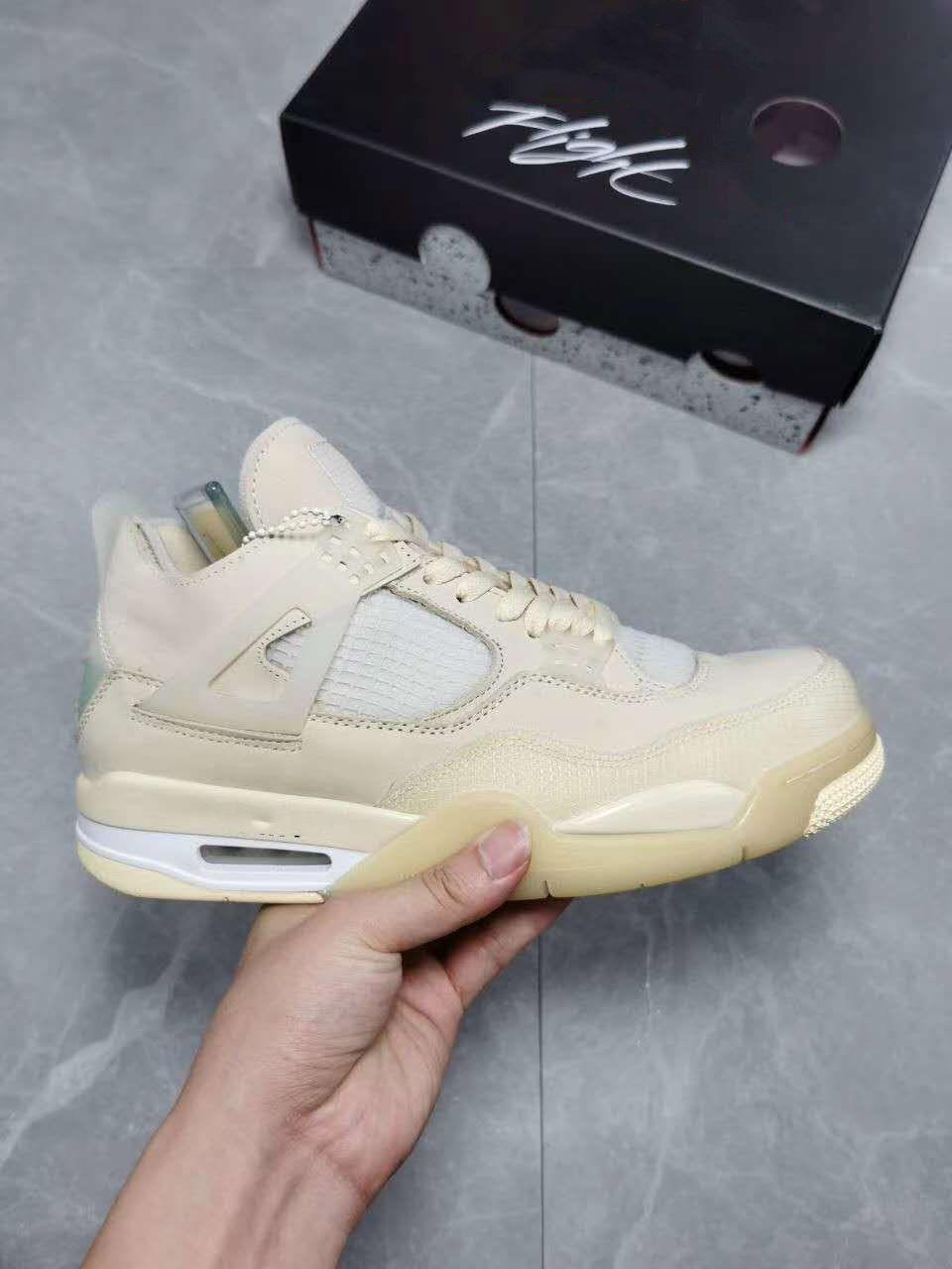Zapatos de calidad superior de baloncesto Jumpman 4 4s Crema de vela Nakeskin IV mujeres de los hombres muselina WMNS atasco del espacio para deportes zapatillas de deporte para hombre de Formadores