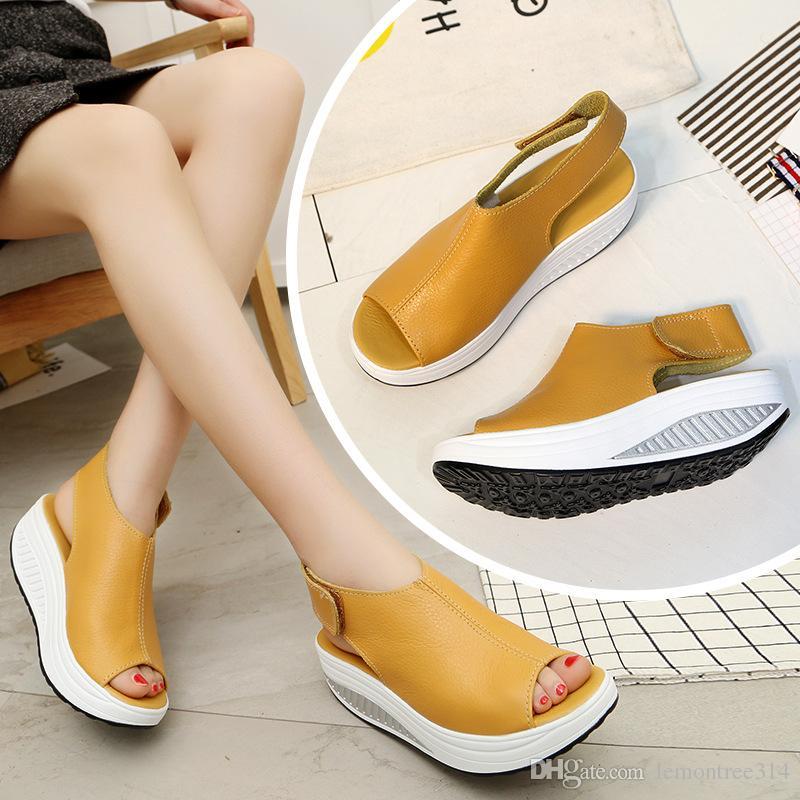 Женская повседневная обувь с открытым верхом из мягкой кожаной обуви на платформе Босоножки на танкетке для девочек с застежкой-крючком Модная обувь для ходьбы
