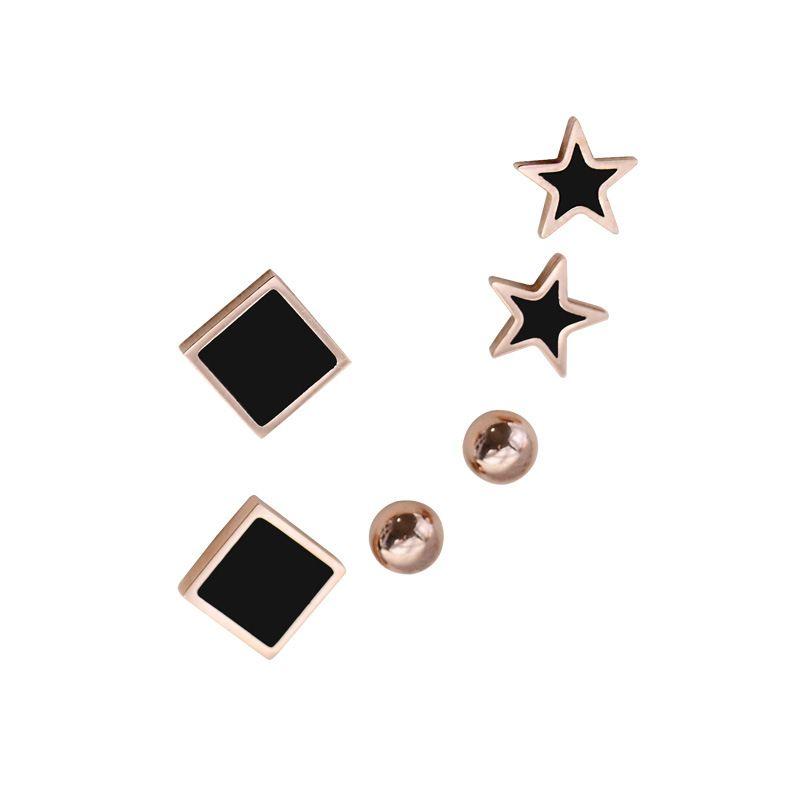 Une variété de tempérament Boucles d'oreilles Titane en acier de mode trois ensembles de mini-oreille ongles anti-allergie bijoux simples mignons