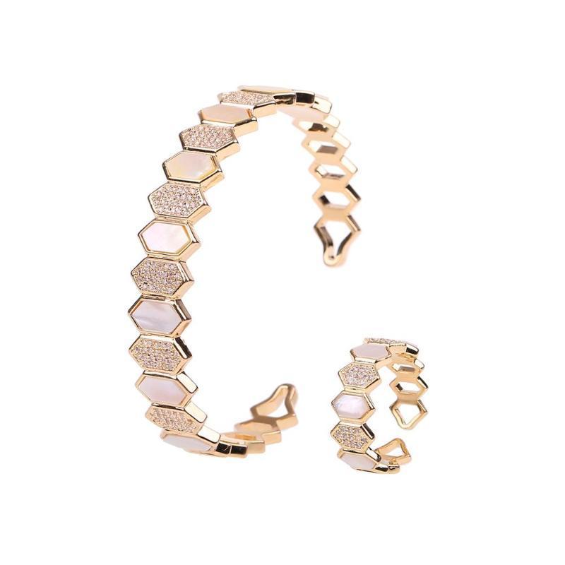Elegant Romatic 2Pcs Women's Bracelet & Ring Set Natural Shell Material Exquisite Jewelry Set Accessory