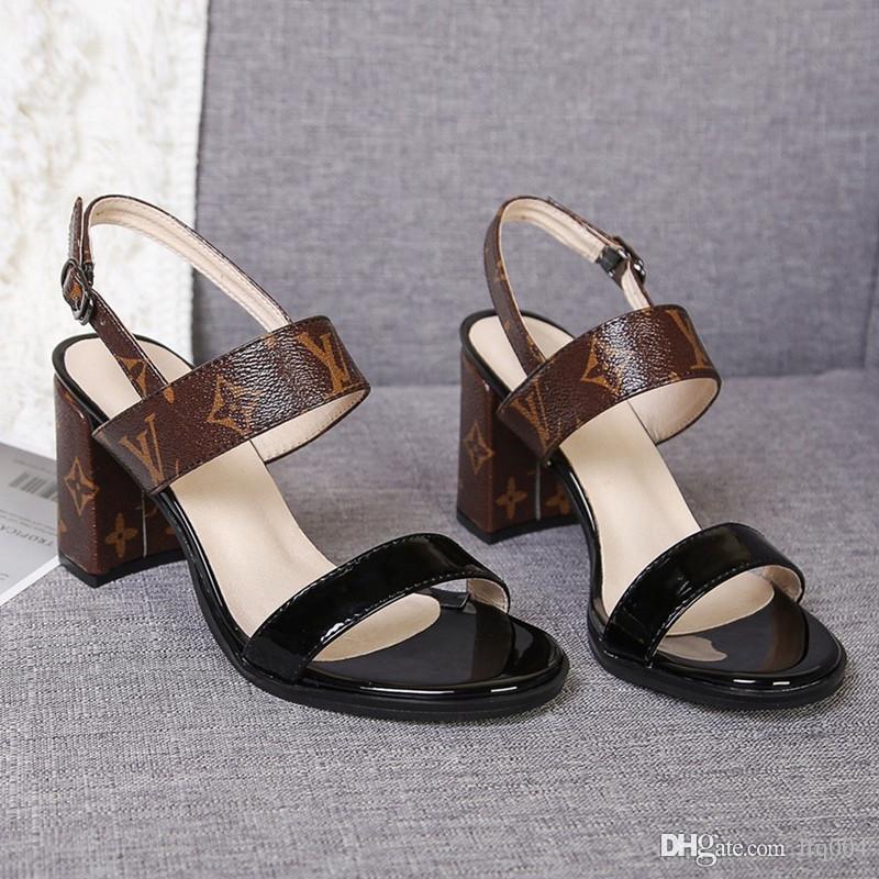 kutu ile 2020 yeni bayan sandaletleri lüks tasarımcı ayakkabıları yüksek topuklu aynı yıldız moda rahat deri en kaliteli