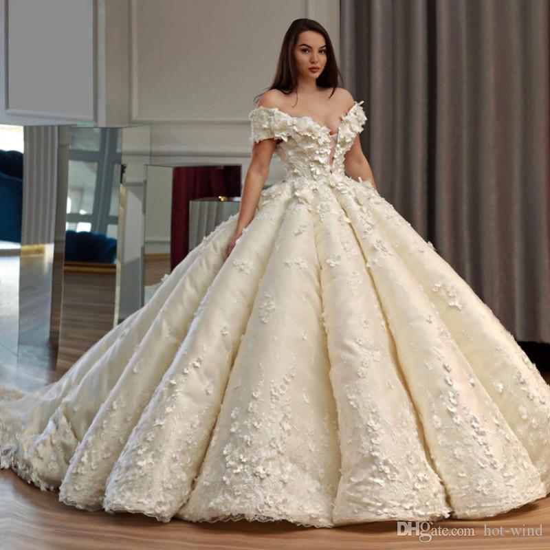 Özelleştirilmiş V Yaka Balo Elbise Gelinlik Aplikler Ile Çiçek Dantel Vestido De Noiva Kapalı Omuz Gelinlikler 2020