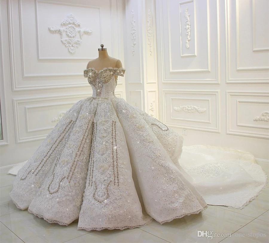 Vintage Sequined Lace Appliqued Ball Gown Wedding Dress Sparkly Luxury Off Shoulder Saudi Dubai Arabic Plus Size Bridal Gown