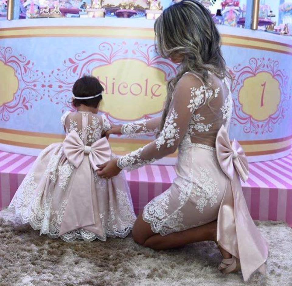 Mutter tochter prinzessin rosa satin spitze blumenmädchenkleider mit langen ärmeln a-linie festzug kleid kinder formelle kleidung mit großer schleife