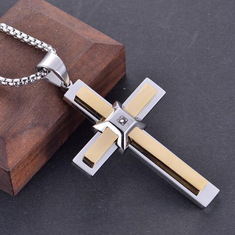 2020 Z 43 nouveau type de personnalité de diamant des hommes de mode rétro gros bijoux croix collier pendentif hommes
