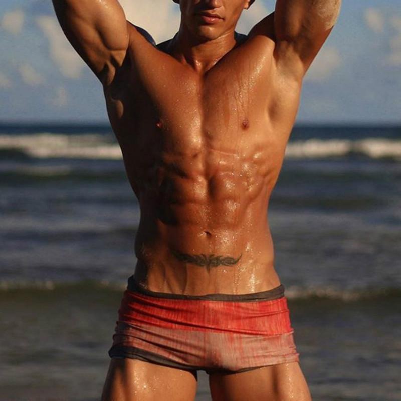 Uomo Costumi da bagno sexy Costume boxer Mens Estate Stampato Spiaggia Nuoto Shorts casuale gradiente Shorts Mutanda 2020 vestiti di alta qualità