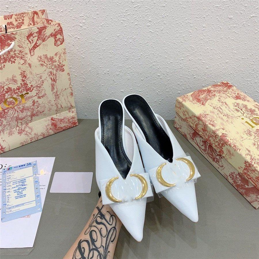 Sivri yüksek topuklu sandalet ve terlik üst tokası D yeni kelimenin 20ss resmi açıklama erken ilkbaharda