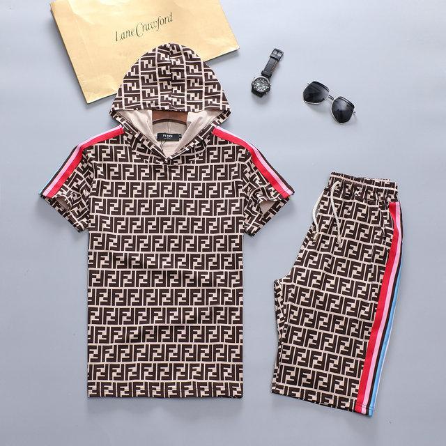 الرجل مصمم رياضية مجموعات جديد رجالي 2020 فاخر مصمم الملابس الفاخرة أزياء الصيف تشغيل الدعاوى التي شيرت + السراويل مجموعات حجم م 3XL 2PC