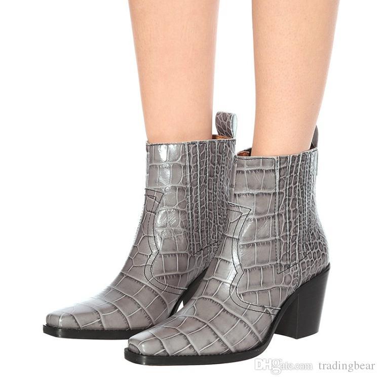 Artı boyutu 35-40 41 42 43 44 batı kare ayak tıknaz topuk gerçek deri ayak bileği patik ayakkabı tasarımcısı kış