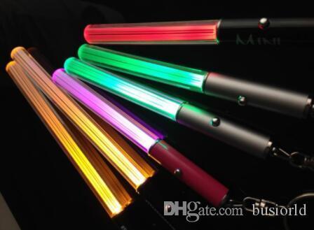 الجملة LED مصباح يدوي عصا سلسلة المفاتيح البسيطة الشعلة الألومنيوم سلسلة مفتاح حلقة المفاتيح دائم الوهج القلم العصا السحرية عصا يغتسبر LED ضوء عصا