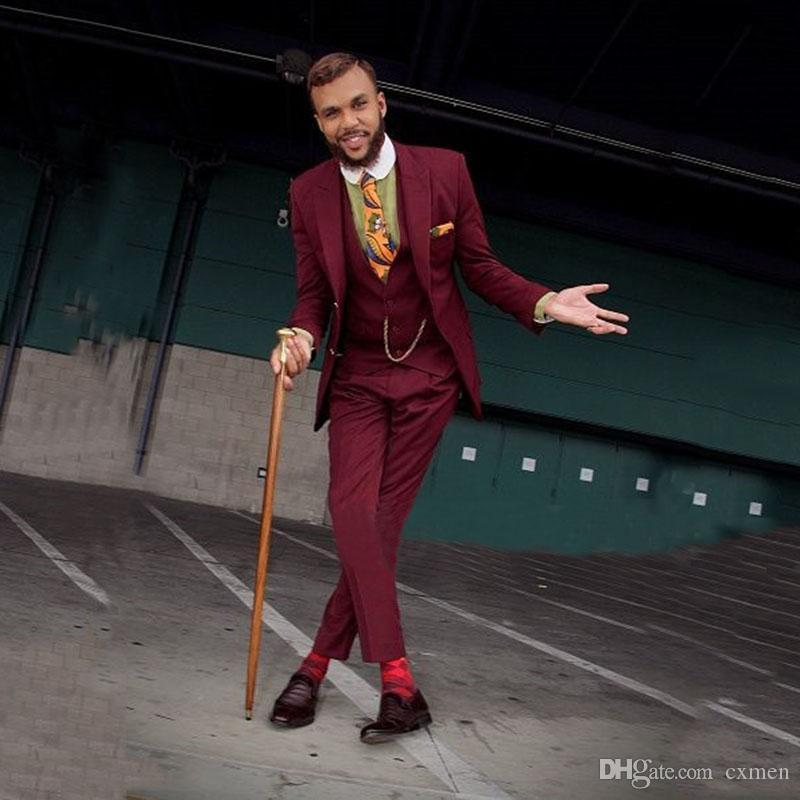 Vintage Burgundy Men Suits for Wedding Slim Fit Groom Tuxedos Retro Groomsmen Best Man Blazers 3 Pieces Jacket Pants Vest Peaked Lapel